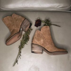Dolce Vita Teague Tan Suede Boot
